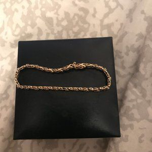 10KT bracelet with diamonds